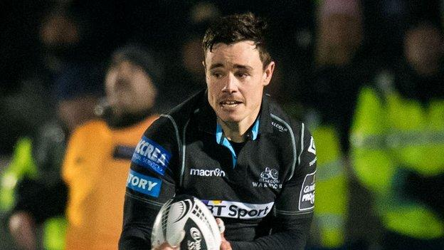 Winger Lee Jones has signed a new two-year deal with Glasgow Warriors