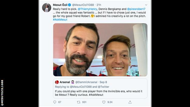 Robert Pires and Mesut Ozil selfie. Ozil tweet says he's the one Arsenal Invincible legend that he'd love to play with