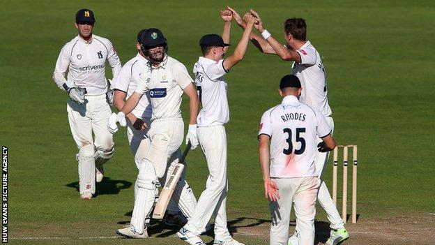 Nick Selman added a vital 73 for Glamorgan before falling to Warwickshire's Oliver Hannon-Dalby