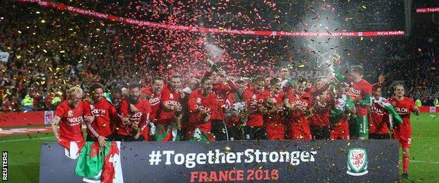 Wales celebrate after qualifying for Euro 2016