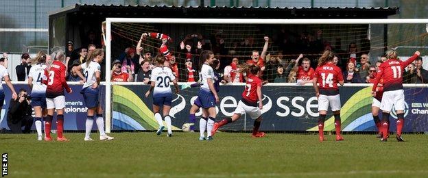Manchester United Women score