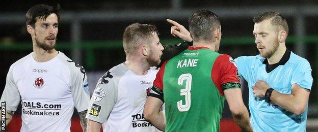 Glentoran finished with 10 men after Marcus Kane's stoppage-time red card