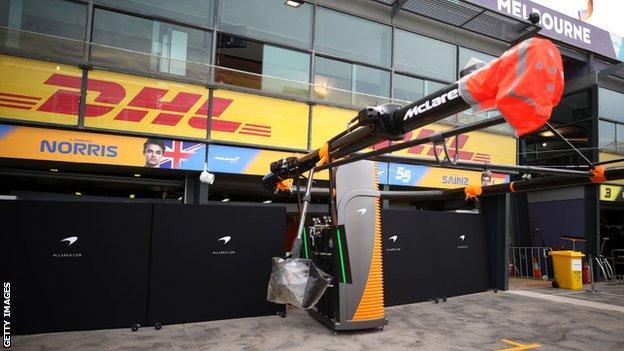 McLaren F1 pit lane