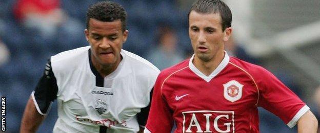 Manchester United midfielder Liam Miller