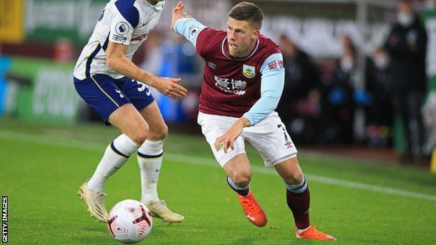 Burnley winger Johann Berg Gudmundsson