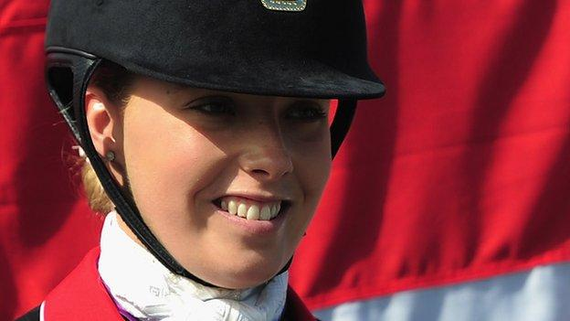 Sophie Wells wins Para-dressage gold at World Equestrian Games thumbnail