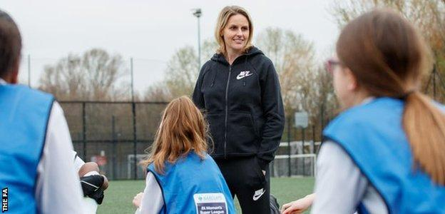 Kelly Smith meets young girls as part of the FA Girls' Football School Partnerships
