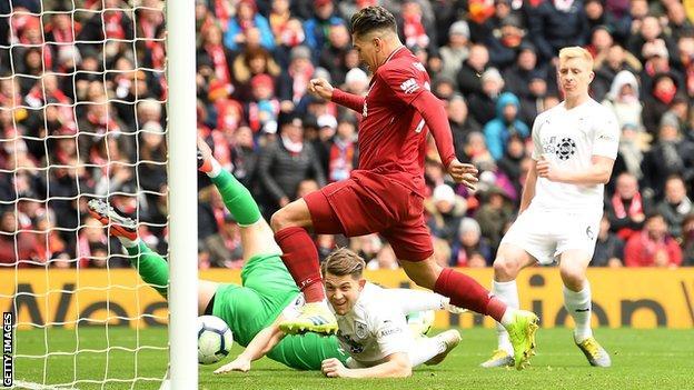 Liverpool 4 2 Burnley Roberto Firmino Sadio Mane Score As Reds Keep Pressure On Man City Bbc Sport