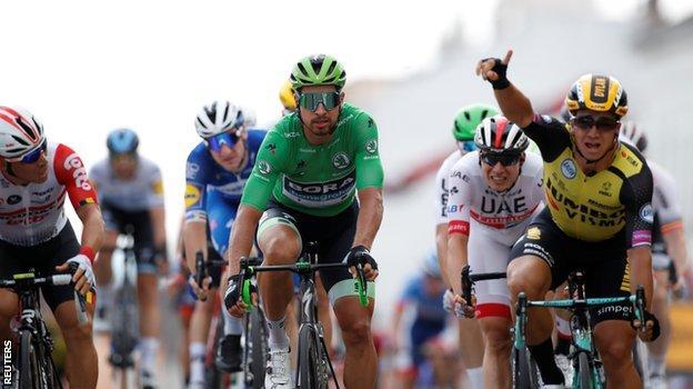 Dylan Groenewegen wins stage seven