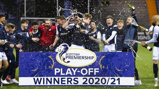 Dundee celebrate