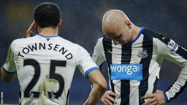 Andros Townsend (left) and Jonjo Shelvey