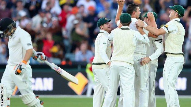 Josh Hazlewood takes 3-32 in New Zealand second innings