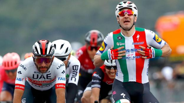 [Tvt News]Giro d'Italia: Elia Viviani stripped of stage three win as Geoghegan Hart loses time