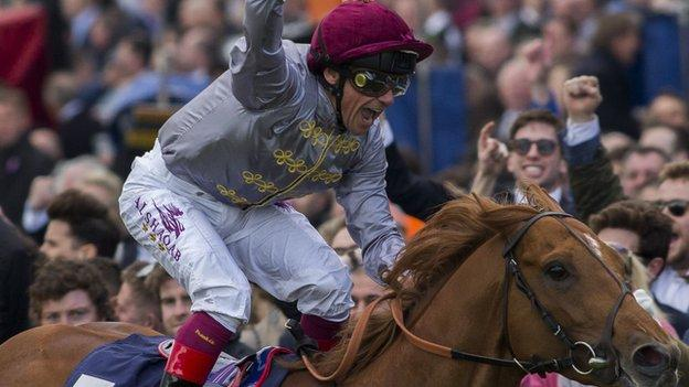 Frankie Dettori rides Galileo Gold to victory in the 2000 Guineas