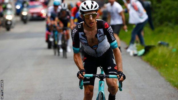 Simon Yates on the ascent on stage 19 of the Giro d'Italia