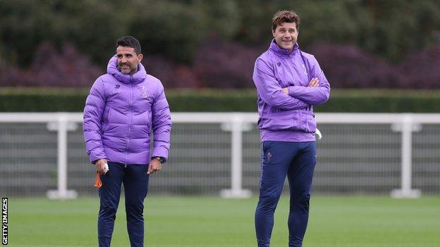 Mauricio Pochettino: Dinner invite means squad are behind me (2019)