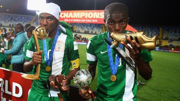 Kelechi Nwakali with his Golden Ball trophy at the 2015 Under-17 World Cup and Victor Osimhen with his Golden Boot award