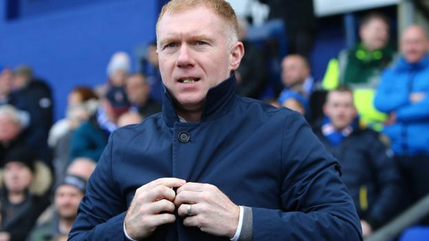 Paul Scholes: Former Manchester United and England midfielder leaves role as Oldham Athletic manager thumbnail