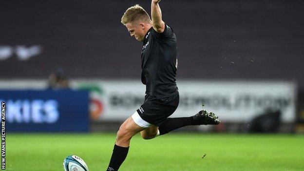 Gareth Anscombe has kicked 30 points in his opening two Ospreys competitive games