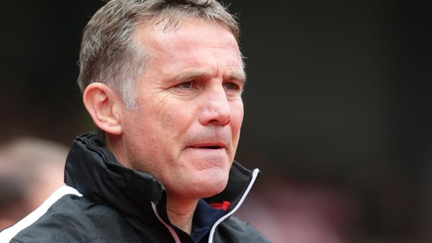 Phil Parkinson: Sunderland set to appoint ex-Bolton manager as boss thumbnail