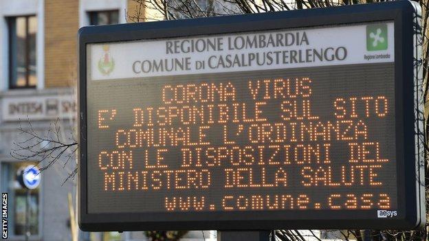 An Italian municipal information sign urging residents to read Ministry of Health advice regarding coronavirus
