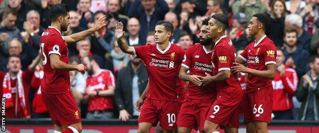 Liverpool team celebrate Salah's goal