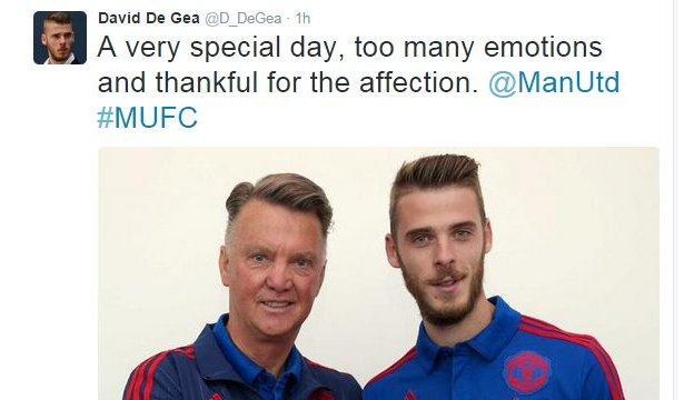 David De Gea happy to stay at Old Trafford
