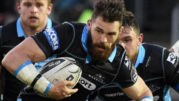 Sean Lamont carries the ball for Glasgow