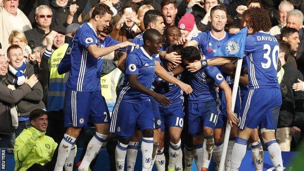 Chelsea players celebrate Eden Hazard's goal