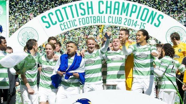 Celtic celebrate retaining the Scottish Premiership title