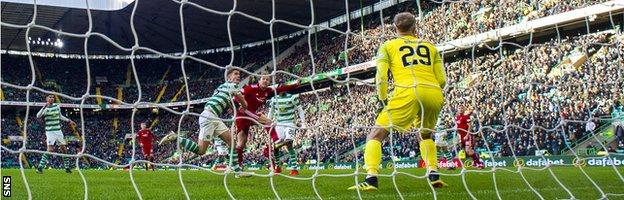 Stevie May spurned a late header