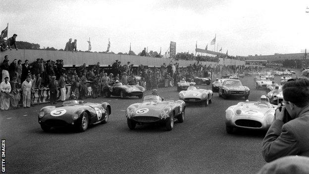 The start of the 1955 RAC Trophy at Dundrod