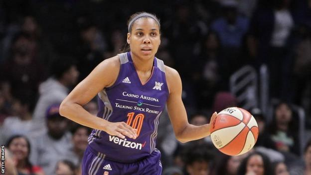 Lindsey Harding in action for WNBA team Phoenix Mercury in 2016