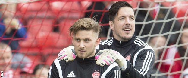 Jamie Langfield and Danny Rogers during an Aberdeen warm-up