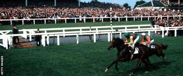 Lester Piggott winning the 1970 St Leger on Nijinsky, and sealing the Triple Crown
