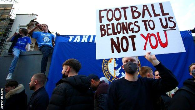 European Super League timeline: Game changer - football's volatile 48 hours thumbnail