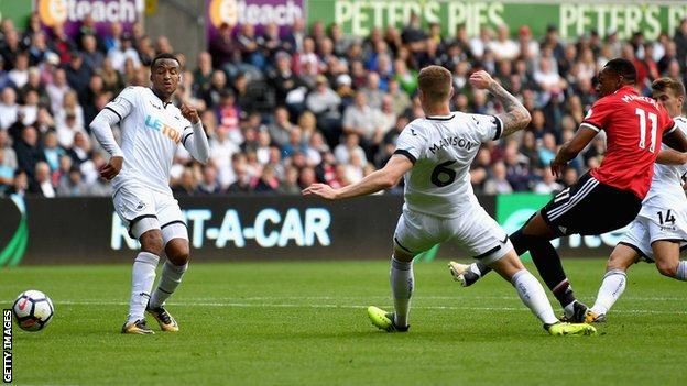 Anthony Martial scores Manchester United's fourth goal