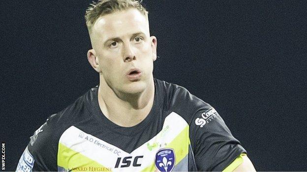 Craig Kopczak in action for Wakefield