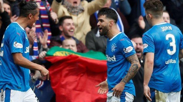 Rangers celebrate Daniel Candeias's goal