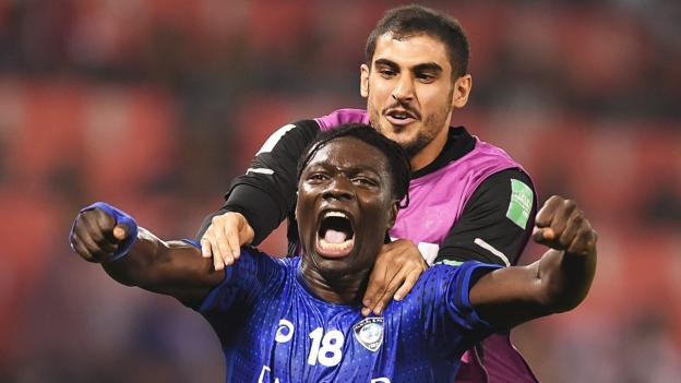 Al Hilal 1-0 Esperance Sportive de Tunis: Ex-Swansea striker Bafetimbi Gomis scores winner to reach Fifa Club World Cup semis thumbnail