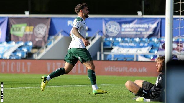 Dom Telford scores