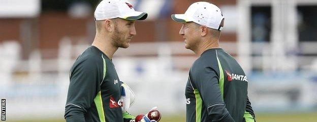 Peter Nevill (left) chats with Brad Haddin