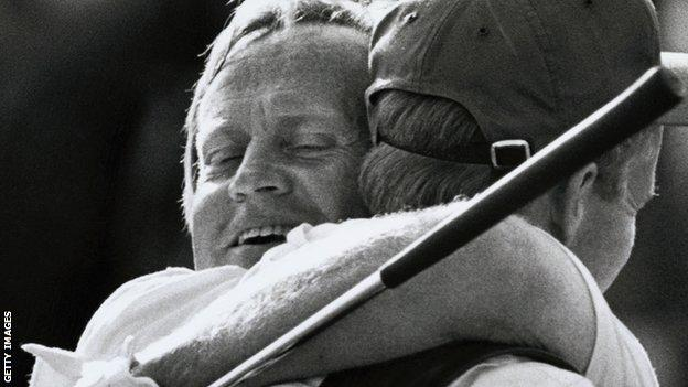 Jack Nicklaus embraces his son after winning the Masters in 1986