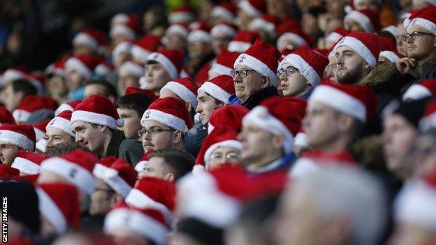 Santa fans