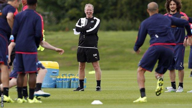Newcastle head coach Steve McClaren and players