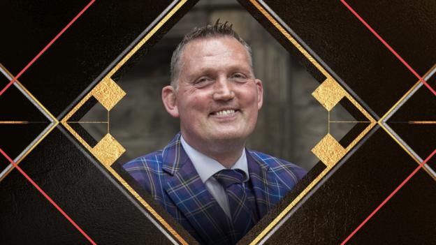 Doddie Weir wins Helen Rollason Award at Sports Personality 2019 thumbnail
