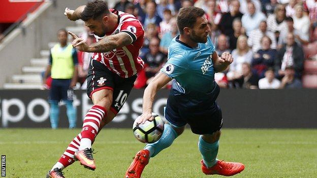 Southampton striker Charlie Austin scores for his side against Swansea