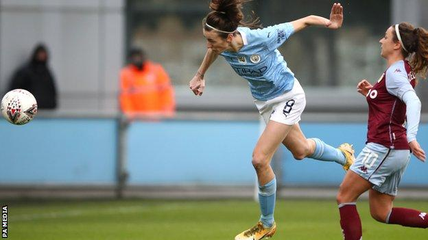 Jill Scott scores for Manchester City