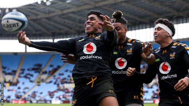 Wasps celebrate a try
