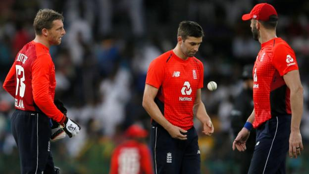 England's fielding and attitude were nowhere near up-to-scratch – Bayliss